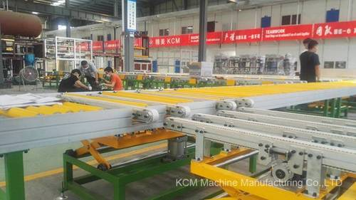 KCM Conveyor for Buffer Cabinet Before Entering Into PU Foaming Fixture